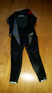 NEW MARES MENS LARGE SEMI-DRY WETSUIT