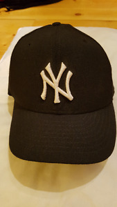 NY Yankees 5950 size 7 fitted hat