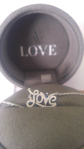 "VERA WANG Love Collection Diamond ""Love""Necklace Sterling Silver"