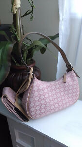 NINE WEST Clutch - Great for Spring! - Will Deliver