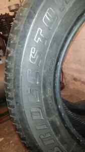 4 pneus d'été 225/65/17 marque Bridgestone