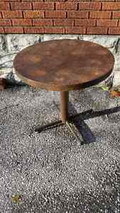Small Round Table with Heavy Metal Base Windsor Region Ontario image 2