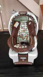 Infant Car Seat & Cozy Cover
