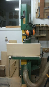 Quality large capacity bandsaw in excellent condition.