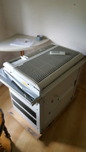 Large Air Conditioner 15000 btu 250.00