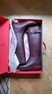 Hunter rainboots (size 7) and two sets of boot socks