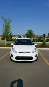 2013 Ford Fiesta SE Well-miantamed Clean