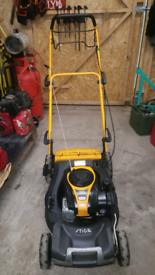 petrol self propelled lawnmowers