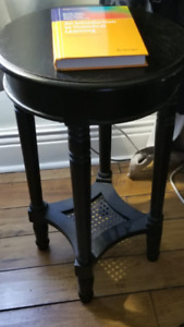 Small round coffee/side table - pickup in Peterborough