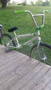 Mutiny bmx 2012 (built from the frame up)