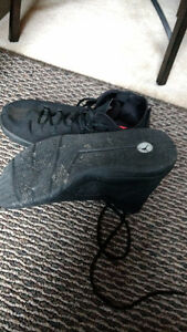 Excellent condition Jordan shoes and Lebron James London Ontario image 2