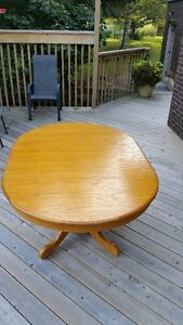 OAK TABLE & CHAIRS Kitchener / Waterloo Kitchener Area image 3