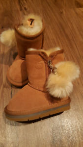 "BRAND NEW "" MA LU"" BOOTS size 7 toddler"
