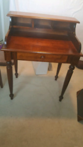 Beautiful Writing Desk/Hall Table and Chair