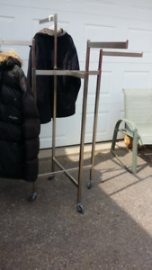 4 way retail clothing rack clothes racks with rubber wheels