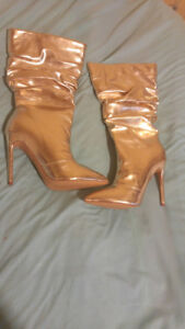 "NEW Womens size 10 Gold 4"" Boots Pointy Slouchy"