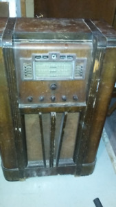 Antique GE Radio F-127 $200.00 OBO