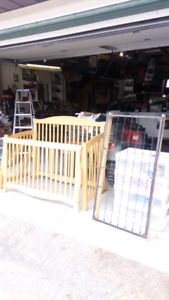 Convertible crib to full size bed