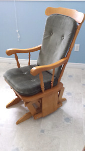 FOR SALE GLIDER CHAIR & FOOT STOOL