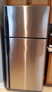 Kenmore Stainless Steel Fridge & Stove Combo! Great Deal!