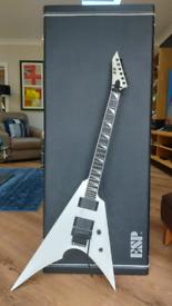 ESP Arrow 2, Snow White Guitar