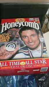 Wayne Gretzky Honeycombs Cereal Box Cambridge Kitchener Area image 1