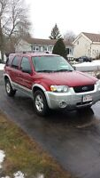 2005 Ford Escape Hybrid 4x4 2000$!!!!!