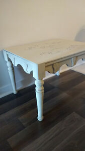 Small antique table in lightly distressed cream West Island Greater Montréal image 2
