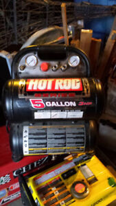 HOT ROD 5 GALLON AIR COMPRESSOR  IN GREAT SHAPE!