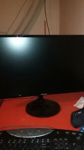 "24"" samsung monitor 3 months old.rarely used"