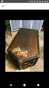 Antique Steamer Trunk/ Coffee Table