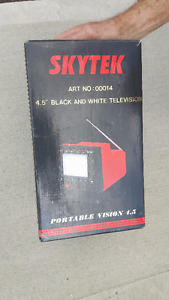 Black & White Portable TV (4.5 Inch)