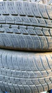 2 pneus 185-65-14 sur rims 4x100