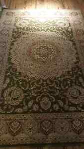 Brand new area rug, never used. Approx 115 inch x 79 inch