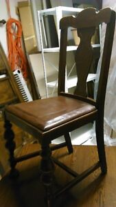 Solid wood antique dining chair with brown leather seat Kitchener / Waterloo Kitchener Area image 2