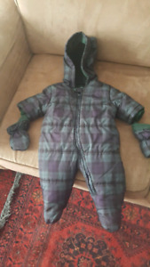 3-6 months brand new snow suit