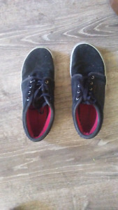 Like New!  Airwalk shoes size 9