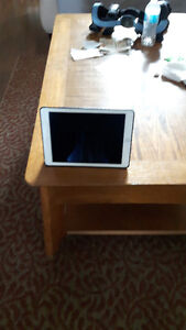 IPAD II Air White w black case w 64GB and OS 10.1.1