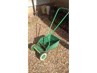 Qualcast Q30 push along lawn mower