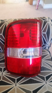 04 to 08 ford f150 tail light