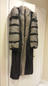 Gorgeous long Black Mink Fur Coat with Beautiful Silver Fox trim