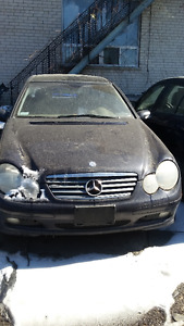 2003 Mercedes-Benz C-Class Kompressor 1.8L Coupe (2 door)