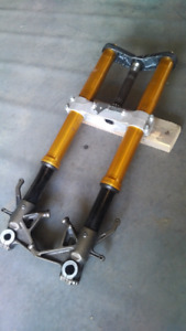 Kawasaki ZX10r front end forks and triple tree