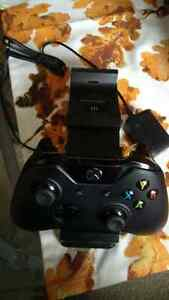 xbox one wireless controler and charging station