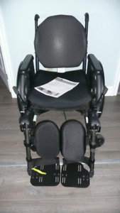 QUICKIE QXi / QX Lightweight Quality WHEELCHAIR (Phone Please)