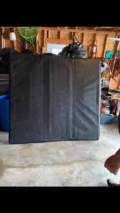 "6 1"" tonneau cover $150 great shape !"