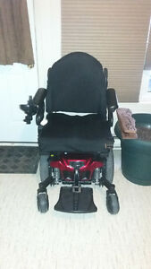 Quantum Edge 2 - Mobility Power Chair