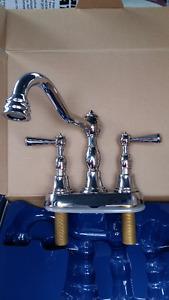 Chrome Victorian Style bathroom Faucet *NEW*