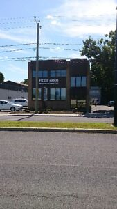 ESPACE COMMERCIAL  MARIE-VICTORIN LONGUEUIL