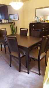 Dining room table and hutch Cambridge Kitchener Area image 3